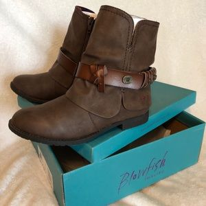 Blowfish Shoes - Women's Blowfish Boots Size 6 Brown !New in Box!